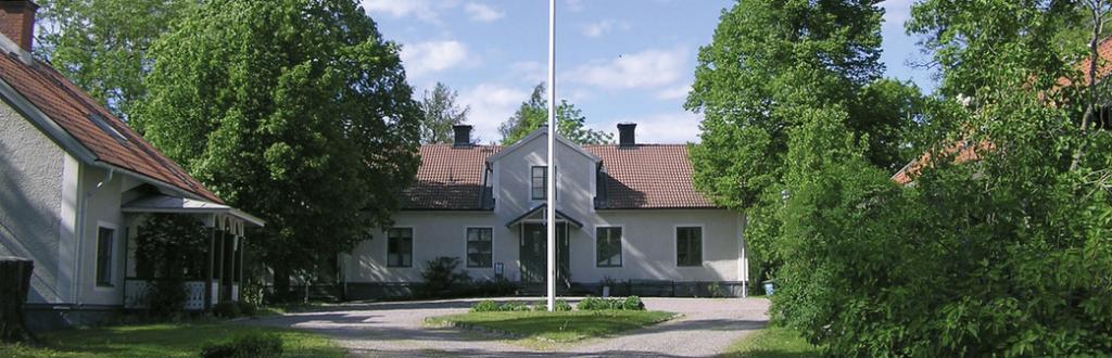 Intresserad av biblioterapi? Karby gård i Täby.